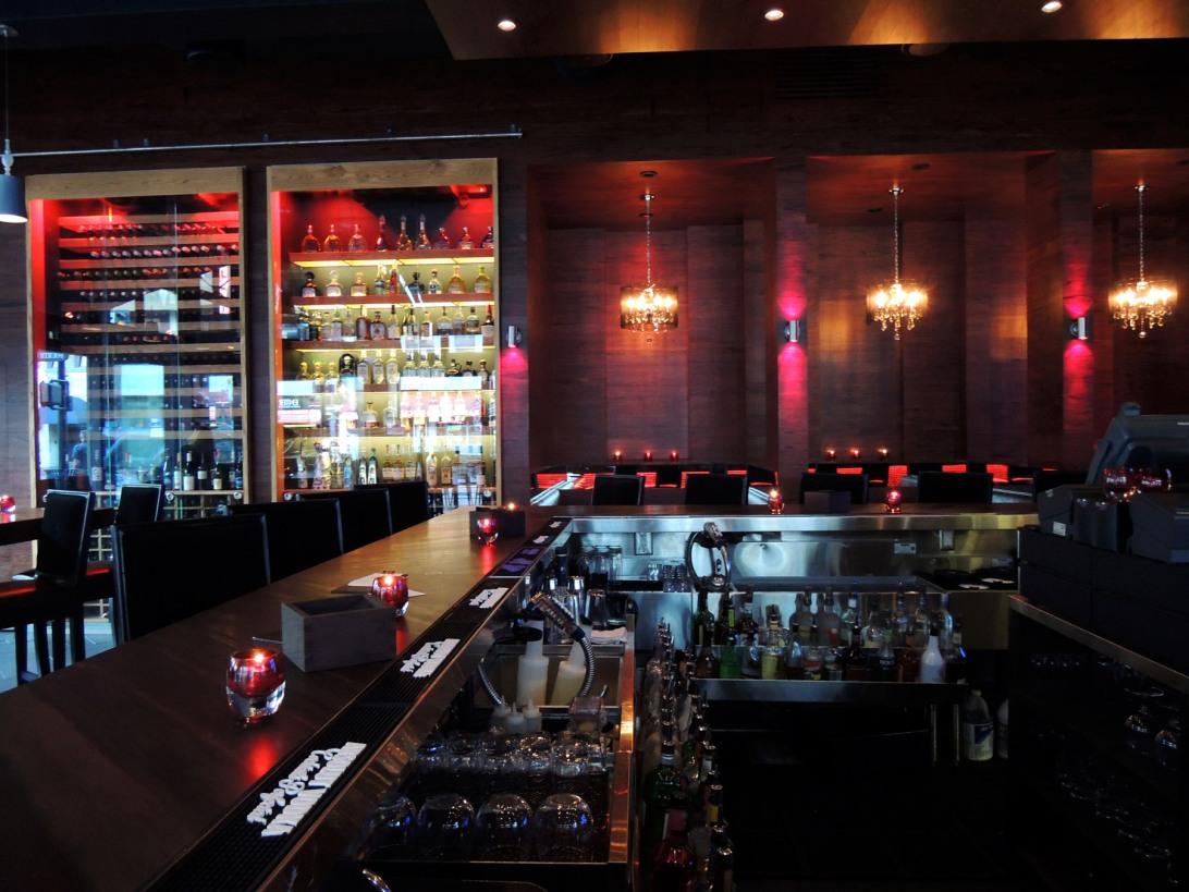 ViVa bar + kitchen interior 2