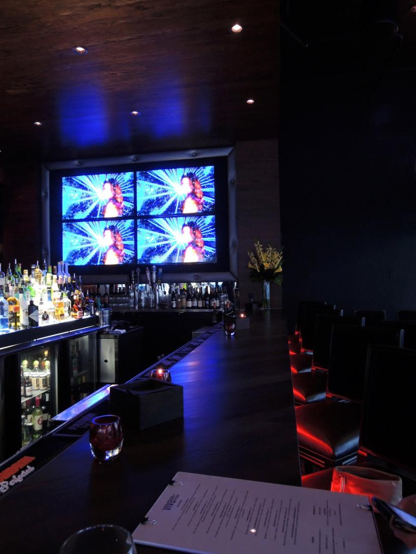 ViVa bar + kitchen interior 1